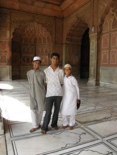 Jama_masjid_moskeijan_poikia