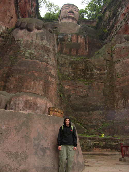 Grand Buddha ja Santtu, Leshan