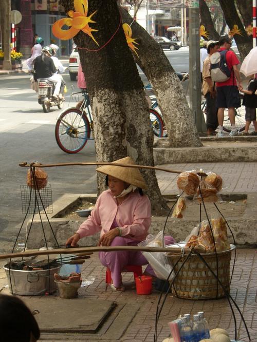Katumyyjä Ho Chi Minh