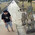 Santtu ja Angkor Watin apina